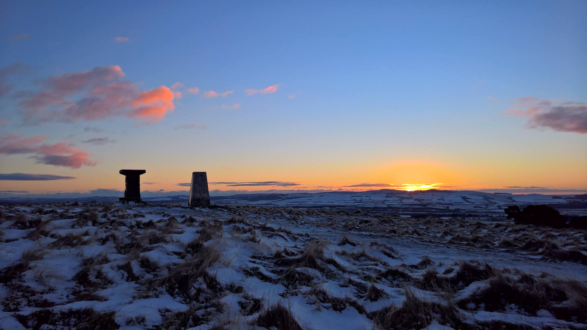 A view of the sunset from the summit of Alyth Hill.